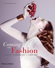 coming into fashion - A Century of Photography at Cond� Nast -